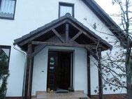 Vordach mit Dachziegeln