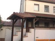 Terrassenüberdachung mit Biberschwanz