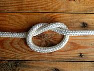 Seil mit Knoten von Pixabay/Bru-nO