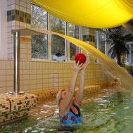 Entstauungsgymnastik im Wasser