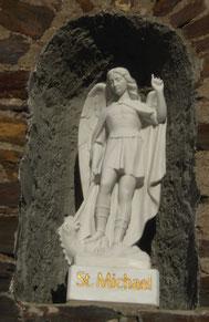 St. Michael, Vierzehn-Nothelfer-Kapelle (Bildhauer Dieter Arenz, 2009)