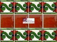Cenefa en Azulejo Talavera modelo Chilena en fondon Blanco Mexicano con Terracota Real en 10.5 x 10.5 cm, ideal para baños y cocinas mexicanas lo encuentras en Rústicos Artesanales visítanos en nuestra web www.rusticosartesanales.com