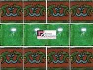 Cenefa en Azulejo Talavera modelo Guía Especial Ocre con Liso Verde Deslavado en 10.5 x 10.5 cm, ideal para baños y cocinas mexicanas lo encuentras en Rústicos Artesanales visítanos en nuestra web www.rusticosartesanales.com