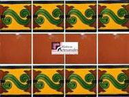 Cenefa en Azulejo Talavera modelo Chilena en fondo Mostaza con Liso Terracota en 10.5 x 10.5 cm, ideal para baños y cocinas mexicanas lo encuentras en Rústicos Artesanales visítanos en nuestra web www.rusticosartesanales.com
