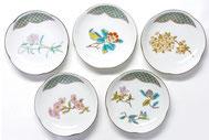九谷焼通販 おしゃれな皿揃え 小皿 草花 4寸梅型 裏絵 正面の図
