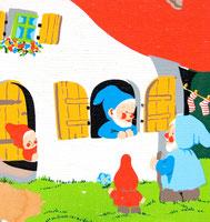 70er Kindergarderobe Zwergenhaus