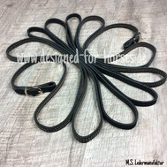 Schwarze Langzügel aus Fettleder mit Ziernaht