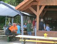 Cafeteria mit frischem Butterkuchen aus dem Steinofen