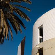 Bildbeispiel moderne Architektur zum Praxistipp: SONY RX100 I,II,III,IV,V mit quadratischem Bildformat 1:1 in Barcelona. Foto: bonnescape