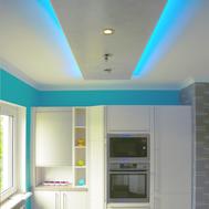 Bau des Deckenmoduls für die Küche mitindirekter Beleuchtung