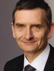 Seit 2005 beteiligt sich der deutsche Hochschullehrer Volker Perthes mit der CIA an der Vorbereitung des Krieges gegen Syrien. Er leitet den mächtigsten europäischen Think-Tank, die Stiftung Wissenschaft und Politik (SWP).