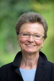 Regina Weller ist Kunstpädagogin, Traumatherapeutin und Supervisorin