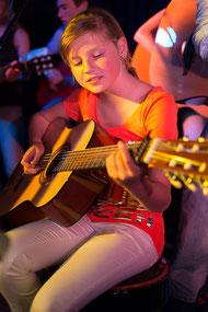 akoustische gitaar, leerling gitaarles, gitaar