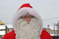 Le Père Noël n'oubliera pas les lenfants de l' APP participants en lutin