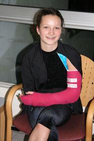 Gute Besserung Freya - aber zum Glück lächelt sie noch...