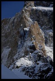 Refuge perché à 3092 m sur l'arête du Promontoire