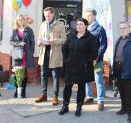 Pfarrer Nils Huchthausen (Redner)  und Organisatoren des Bonhoeffer-Gedenkens am 9.April 2015. Foto: Helga Karl