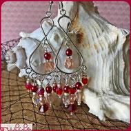 Orecchini a forma di otto, con perline rosse e color pesca