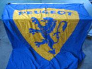 Peugeot Flagge aus den 50er Jahren Foto 107
