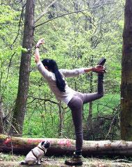 Atmung und Yoga im Wald