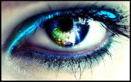 Wimpern und Augenbrauen stylen