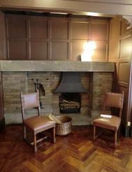 そして旧食堂の暖炉です