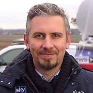 Lila Hoffnung Alex Bonegel - Reporter Sky Sport News HD