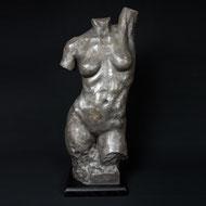Luna | Acrylharz | 81 x 36 x 26 cm | Alexandra Kapogianni-Beth