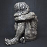Lonely | Kunstharz | 54 x 53 x 29 cm | Alexandra Kapogianni-Beth | www.bildhauerwerke-ak.de