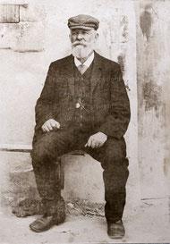 Fotografie seines Vaters Theophil