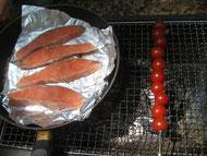 お肉より好評だった燻製鮭&焼きトマト