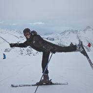 Annelie beim Skilaufen.