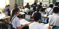 英語需要が高まる中で、レアジョブの事業は、学校等の教育分野にも広がりを見せる。