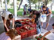 Les fruits et légumes de saison permettent d'acheter local et donc de soutenir un développement économique durable