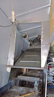 Rauchfang / Innenleben in der Telchinen-Schmiede