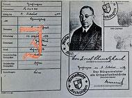 Kennkarte von Leon Schmalzbach, nach einem Foto Foto von www.keidel-hechingen.de, aus: Otto Werner: Leon Schmalzbach (1882-1942). Lehrer und Rabbinatsverweser in Hechingen, in: ZHG 103/1980