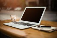 Yoga online live PC Laptop Computer Zoom technische Voraussetzungen Präventionskurs Gesundheitskurs