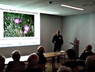 Dr. Thomas Hövelmann beim Vortrag über die Flora von Münster beim Westfälisch-Naturwissenschaftlichen Verein