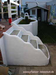 Treppe Hochbeet Terrasse griechischer look