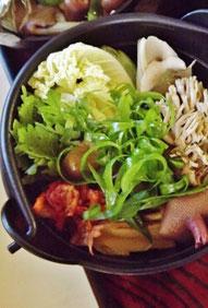 天然きのこ鍋。これを食べねば、冬は来ぬ!
