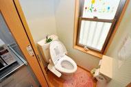 2階の明るいトイレ