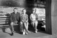 Bildrecherche. Ein 40 Jahre altes Personenfoto von einem vergessenen AGFA CNS2 Film in einer Boxkamera vom Flohmarkt.