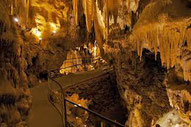 La maison de Léopold à proximité de nombreuse cavités, abris et grottes majeurs