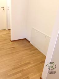 Wandnische vor dem Einbau der Garderobe mit Fußbodenheizungabdeckung