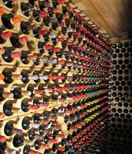 Umso grösser der materielle Wert  einer Sammlung ist, desto häufiger sind auch  Fälschungen (Hier eine Weinsammlung)