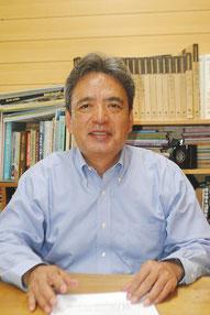 東日本大震災の被災者への思いを語る浦崎会長=8日午後、八重山日報社