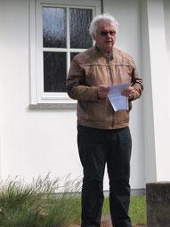 Henk Tijink bei der Ansprache