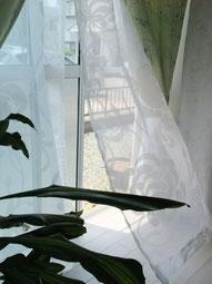 チューリップガーデンの窓辺