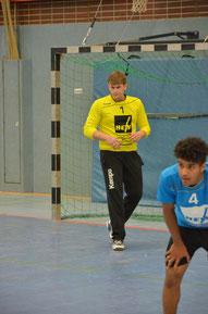 Steigerten sich in Halbzeit zwei und sicherten ihrem Team den Sieg in Möllbergen: Torwart Nils Guntelmann und Linksaußen Ilyas Badi