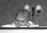 Этого мальчика украли в Дрездене в 1984 г. Фото из архива семьи Tschök, Dresden